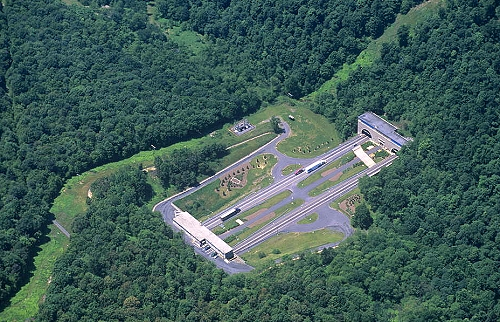 Huntingdon (PA) United States  City pictures : ... of I 76 Tunnel Gap, Huntingdon County, Pennsylvania, PA United States