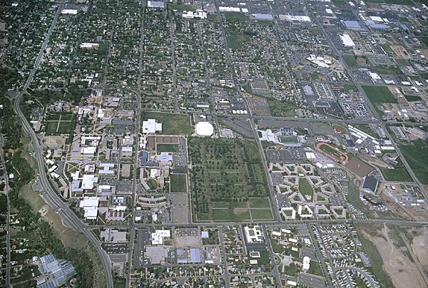 Logan (UT) United States  city images : ... photo of Utah State University, US 89. Logan, Utah, UT United States
